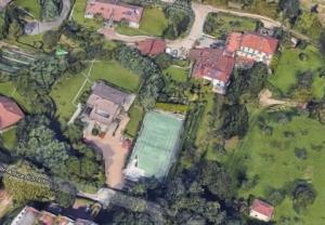 Cận cảnh biệt thự mới mua ở Turin của siêu sao bóng đá CR7