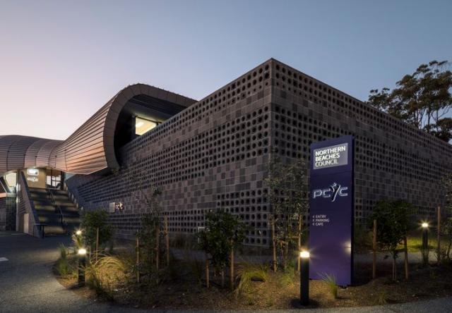Ngắm trung tâm cộng đồng hình đám mây cong lượn ở Úc