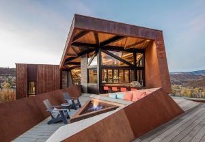 Ấn tượng ngôi nhà hình học trên núi Rocky ở miền Tây Bắc Mỹ