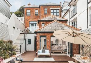 Cận cảnh ngôi nhà sang trọng hơn 3,6 triệu USD của siêu đầu bếp Gordon Ramsay
