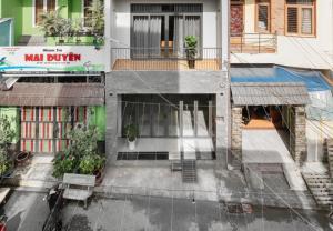 Cải tạo nhà phố kiểu hiện đại tràn ngập nắng gió giữa trung tâm Sài Gòn
