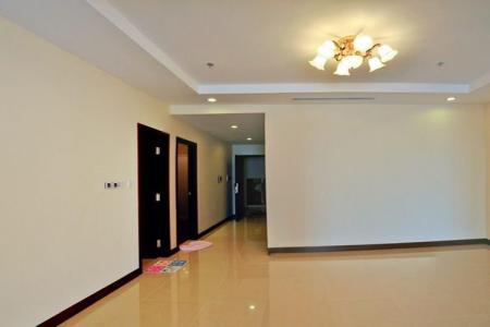 Cho thuê căn hộ Tân Phước, Q.10.