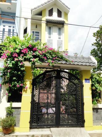 Nhà bán dĩ an 107m2 gần đường Lê Hồng Phong