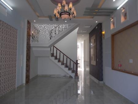 Bán Nhà Mới Xây Hoàn Thiện, SHR 5x20m, Đường Trần Văn Mười, Hóc Môn