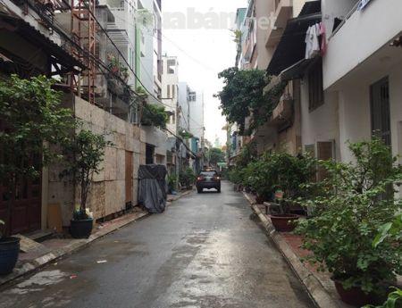 Bán gấp nhà hẻm xe hơi đường Trần Phú Quận 5