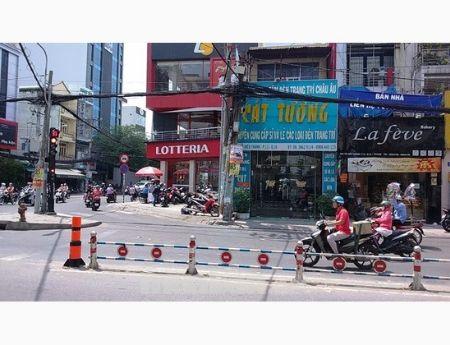Cần bán gấp nhà mặt tiền đường Lê Hồng Phong Quận 10