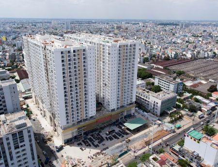 Cho thuê căn hộ Oriental plaza 2PN nhà trống 10tr/tháng, căn 3PN giá 12tr/tháng dọn nhà ở  ngay.