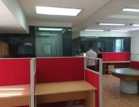 Văn phòng cho thuê quận Hai Bà Trưng, mặt  phố Lê Văn Hưu 40m2,50m2, 90m2. (rất đẹp)