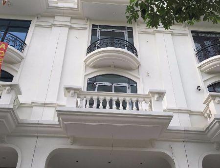 Cho thuê nhà mặt phố Tôn Thất Thuyết, Cầu Giấy dãy liền kề Premier (để kinh doanh) hầm để ô tô rộng