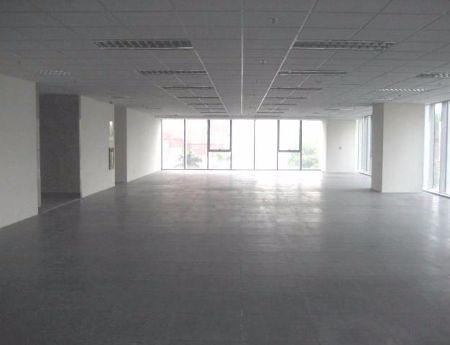 Cho thuê văn phòng 220m2 phố Hoàng Cầu giá chỉ 180 nghìn/m2.