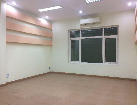 Cho thuê văn phòng giá rẻ phố Hoàng Cầu chỉ 5.5 triệu/tháng DT 30m2