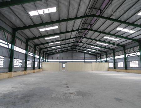 Bán kho xưởng tại khu công nghiệp Phú Nghĩa Hà Nội 2700m2 khuôn viên 3800m2