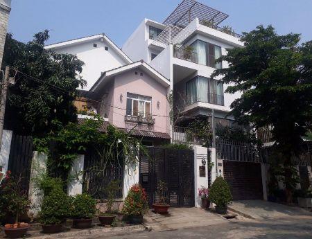 Bán biệt thự làng Đại Học Nhà Khu B, Phường Phước Kiểng, Nhà Bè, giá 15,5 tỷ.